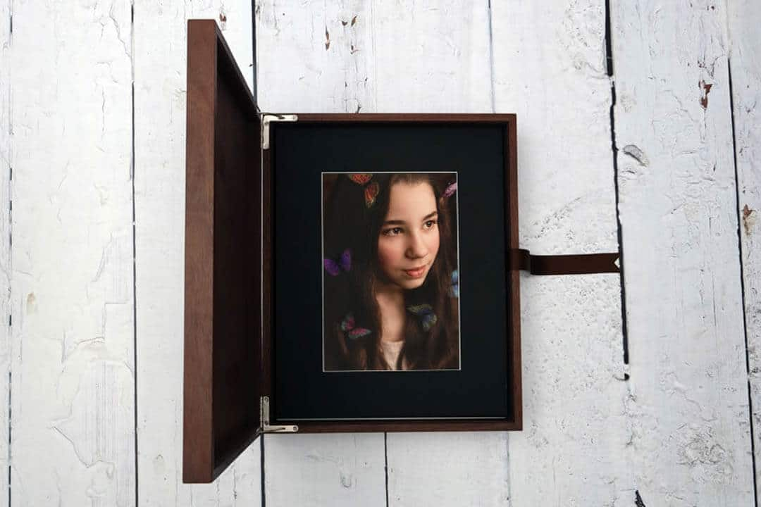 walnut keepsake box.  iris lane photography akron canton green hartville ne ohio